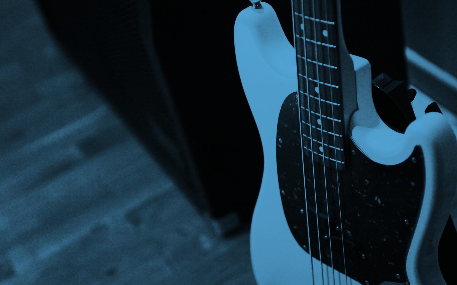 Orangener Vorhang (Bass)